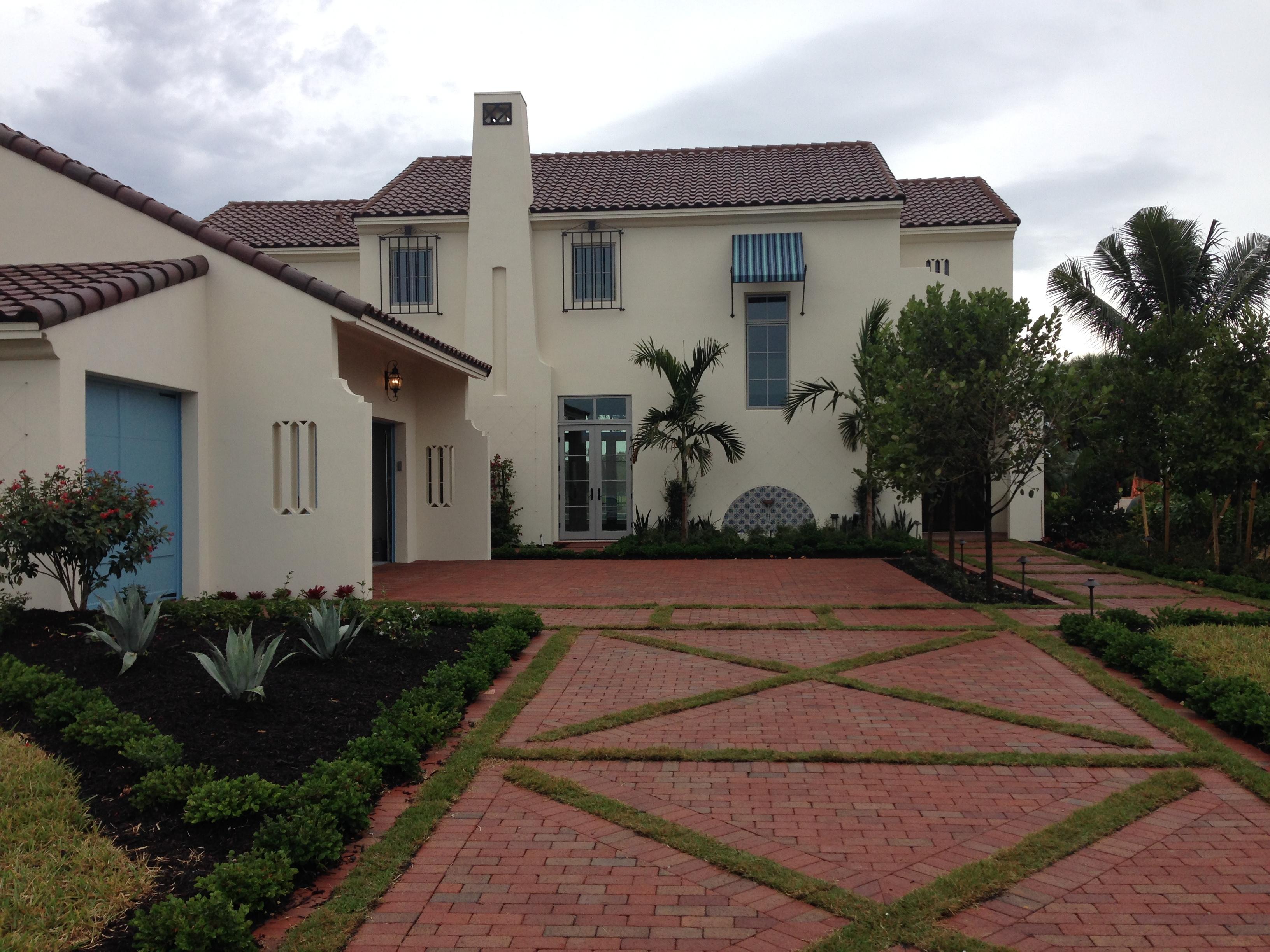 Pinehall Rumbled Courtyard Full Range